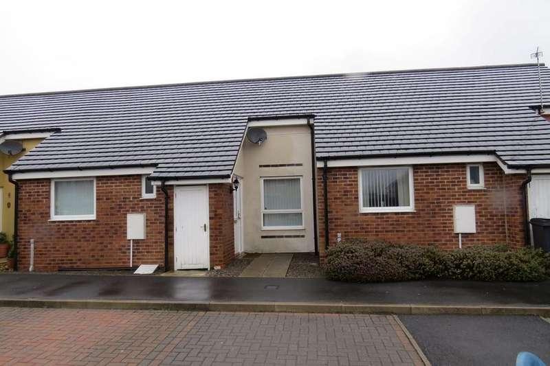 2 Bedrooms Semi Detached House for sale in Harrogate Court, Ashington