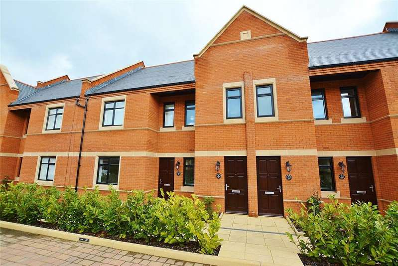 2 Bedrooms Apartment Flat for rent in Eton House, Marlborough Drive, Bushey, Hertfordshire, WD23