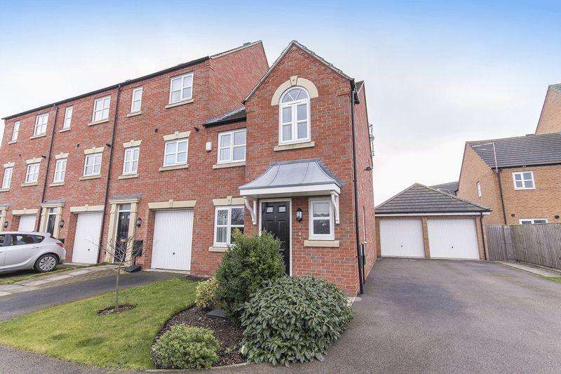 3 Bedrooms Terraced House for sale in Cape Court, Derby