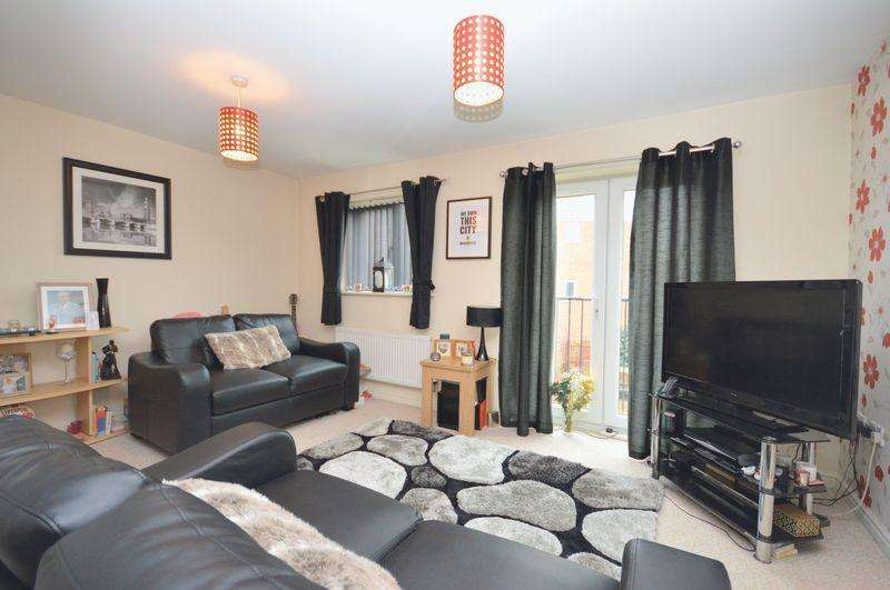 4 Bedrooms Terraced House for sale in Rivenmill Close, Widnes