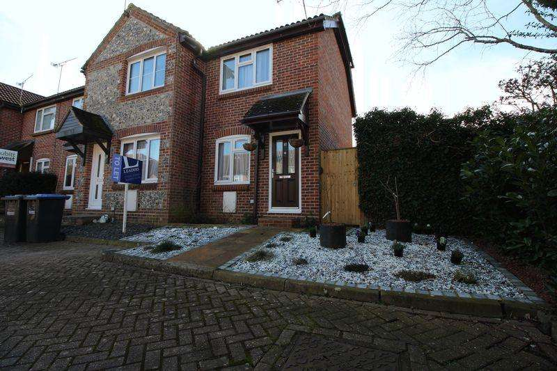 1 Bedroom Terraced House for sale in Perryfields, West End Meadows, Burgess Hill