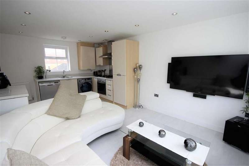 2 Bedrooms Apartment Flat for sale in Ravensdale, East Wichel, Swindon
