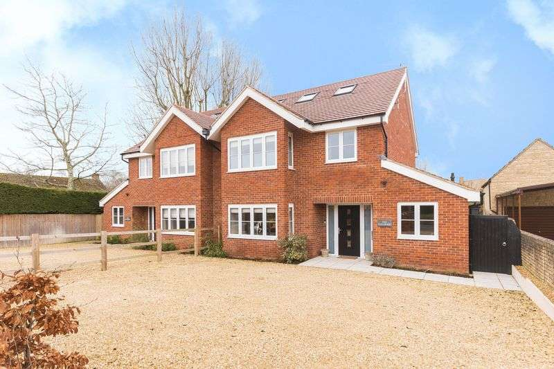 4 Bedrooms Property for sale in Stonehill Lane, Southmoor, Abingdon