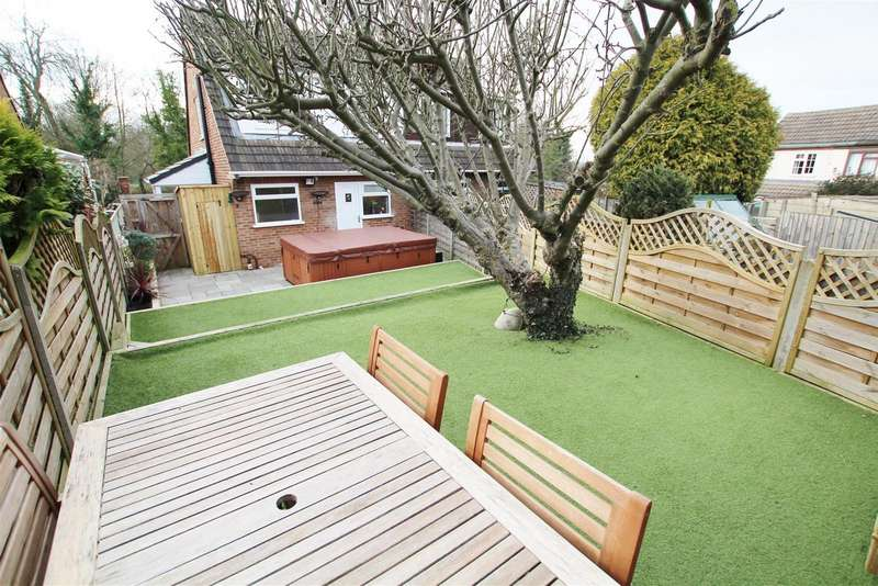 3 Bedrooms Detached House for sale in Coton Road, Walton-On-Trent