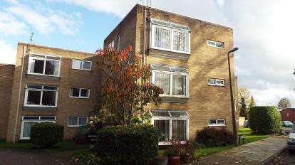 1 Bedroom Flat for sale in Mount Way, Wirral, Merseyside, CH63