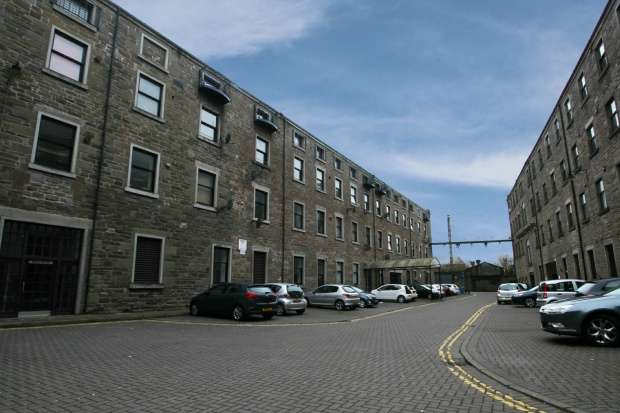 2 Bedrooms Flat for sale in Pleasance Court, Dundee, Angus, DD1 5BB