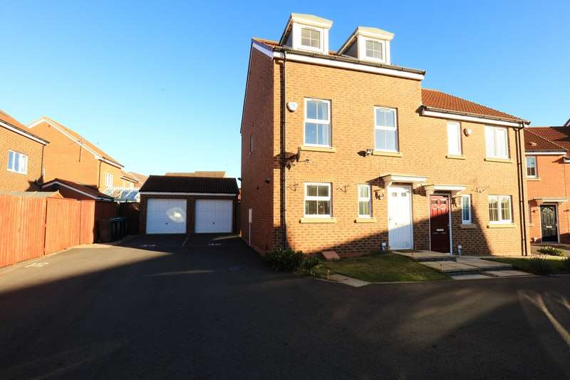 3 Bedrooms Semi Detached House for sale in Russell Close, Wallsend, Tyne and Wear, NE28