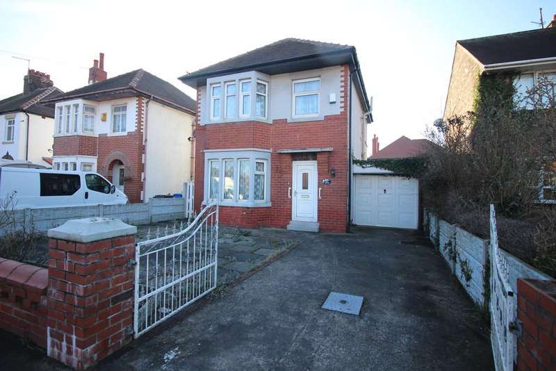 3 Bedrooms Detached House for sale in North Drive, Thornton-Cleveleys