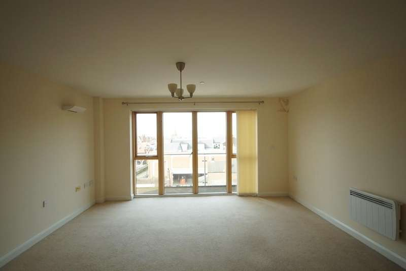 2 Bedrooms Apartment Flat for rent in St. Swithins Square, Lincoln