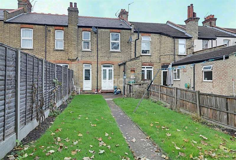 3 Bedrooms Terraced House for sale in Shrewsbury Road, Bounds Green, N22