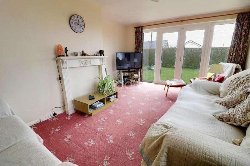 3 Bedrooms Bungalow for sale in Kings Road, Metheringham