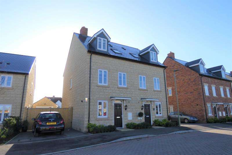 3 Bedrooms Semi Detached House for sale in Empire Drive, Carterton, Oxon