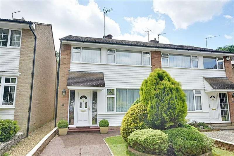 3 Bedrooms Semi Detached House for sale in Brookside, Hertford, Herts, SG13