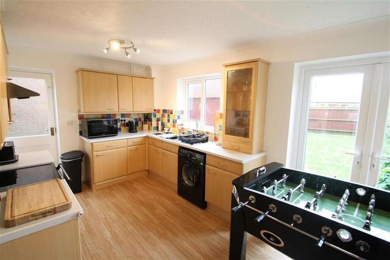 3 Bedrooms Semi Detached House for rent in Magingley Crescent, Rushmere