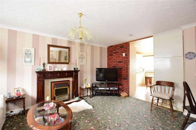 3 Bedrooms Terraced House for sale in Association Walk, Rochester, Kent