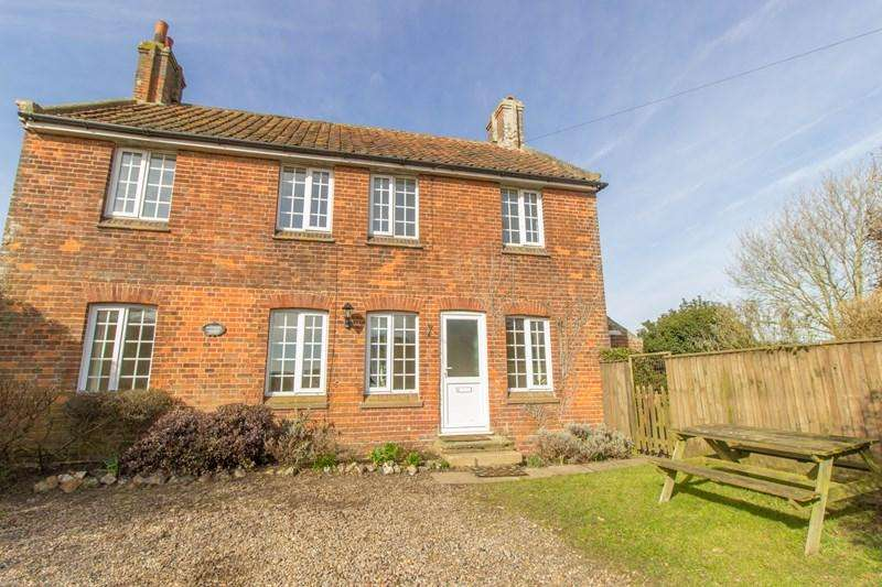 4 Bedrooms Detached House for rent in Hall Road, Ludham, Great Yarmouth