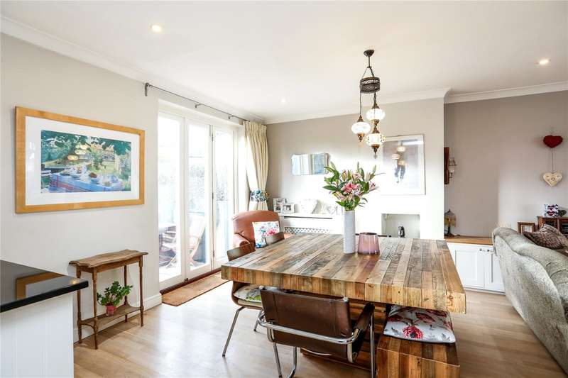 3 Bedrooms Terraced House for sale in Headington Road, London, SW18