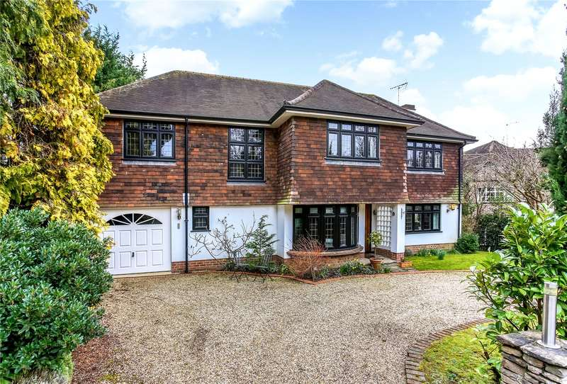 4 Bedrooms Detached House for sale in D'Abernon Close, Esher, Surrey, KT10