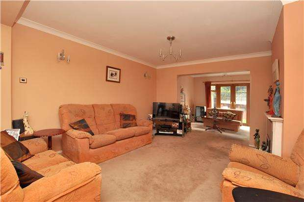 4 Bedrooms Semi Detached House for sale in Ravensbury Road, ORPINGTON, Kent, BR5