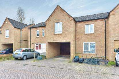 3 Bedrooms Terraced House for sale in Polmartin Court, Fishermead, Milton Keynes