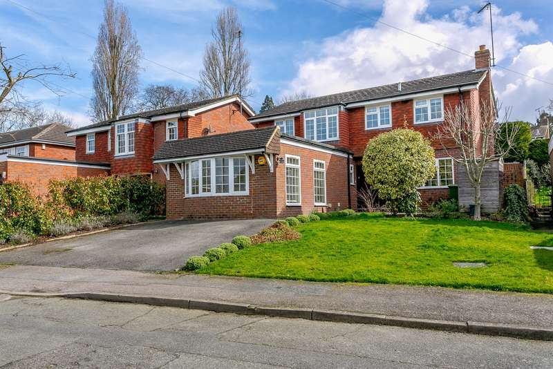 4 Bedrooms Detached House for sale in Claygate