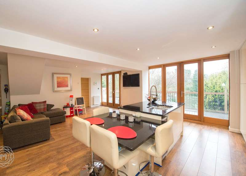 3 Bedrooms Detached House for sale in Welbeck Road, Worsley, Manchester, M28
