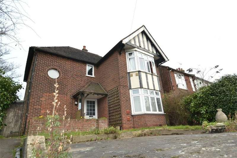 5 Bedrooms Detached House for rent in Elmstead Road, COLCHESTER, Essex