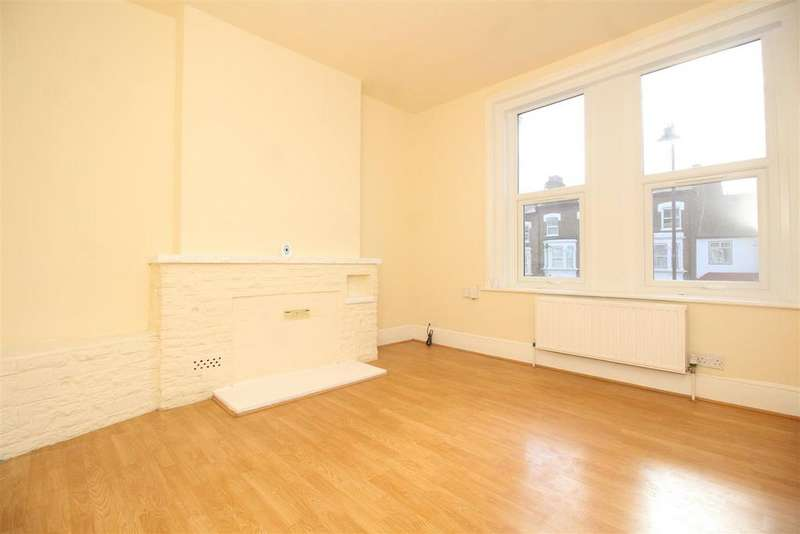 2 Bedrooms Flat for sale in Bruce Grove, London