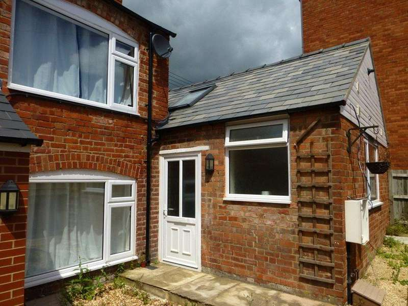 1 Bedroom End Of Terrace House for rent in High Street, Stonehouse, Gloucestershire, GL10