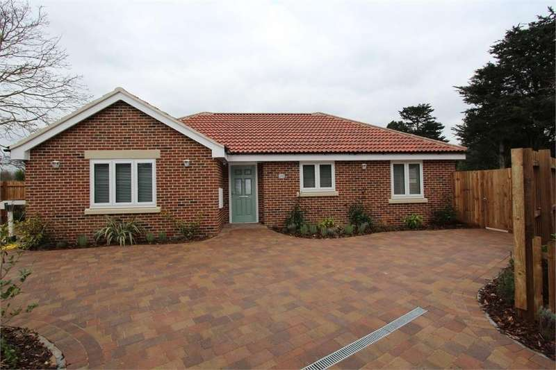3 Bedrooms Detached Bungalow for sale in Dyers Road, Stanway, Colchester, Essex