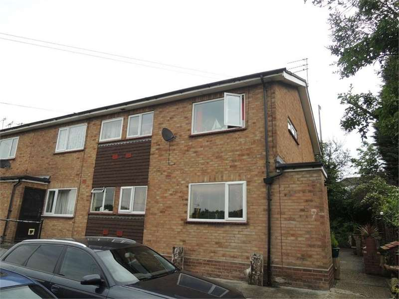 1 Bedroom Flat for sale in Greenstead Court, Greenstead Road, Colchester, Essex