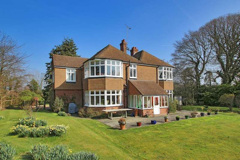5 Bedrooms Detached House for sale in Horns Road, Hawkhurst, Kent, TN18 4QU