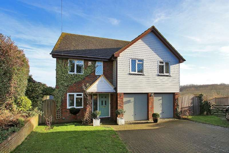 4 Bedrooms Detached House for sale in Benenden View, Standen Street, Iden Green, Kent, TN17 4HP