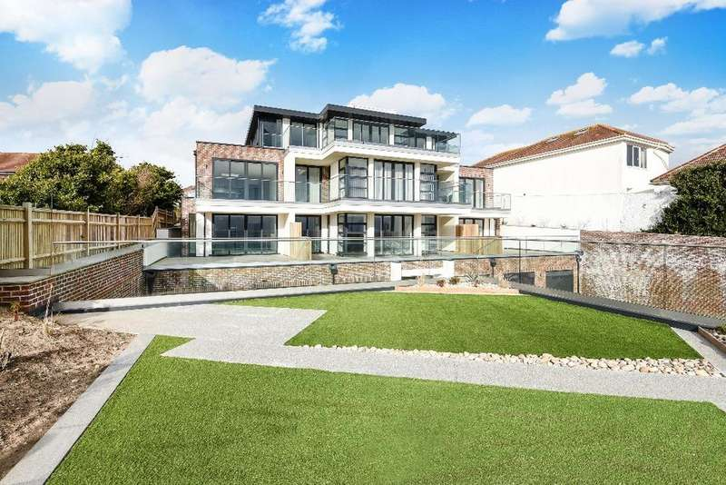 2 Bedrooms Flat for sale in Aquavista, Marine Drive Brighton BN2