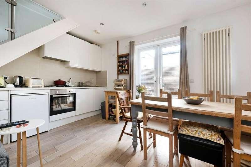 1 Bedroom Maisonette Flat for sale in Hollydale Road, Nunhead, SE15