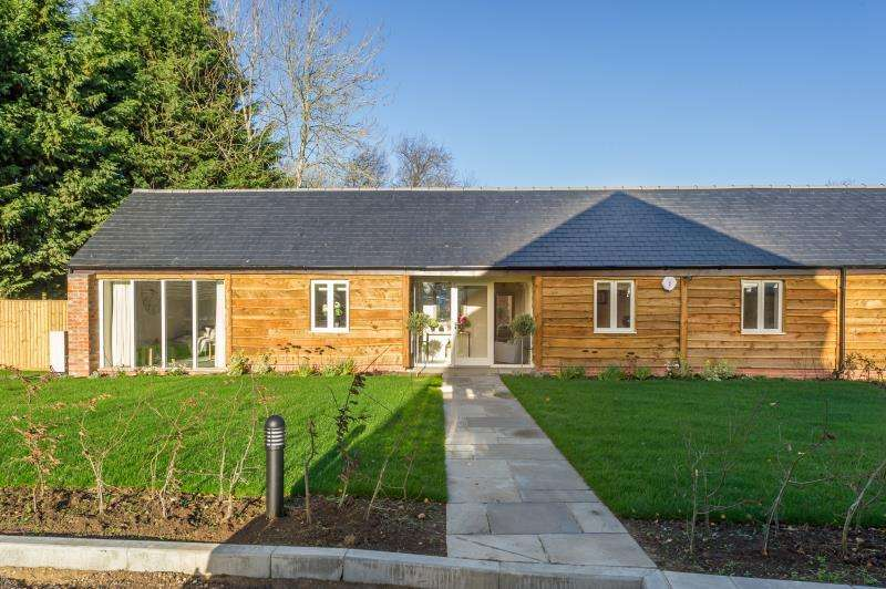 2 Bedrooms Semi Detached House for sale in Barn 1A, Bow Farm, Stanford in the Vale, Faringdon