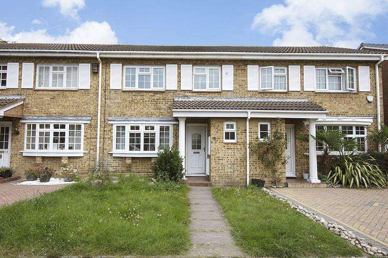3 Bedrooms Terraced House for sale in Stamford Road, Walton-On-Thames.