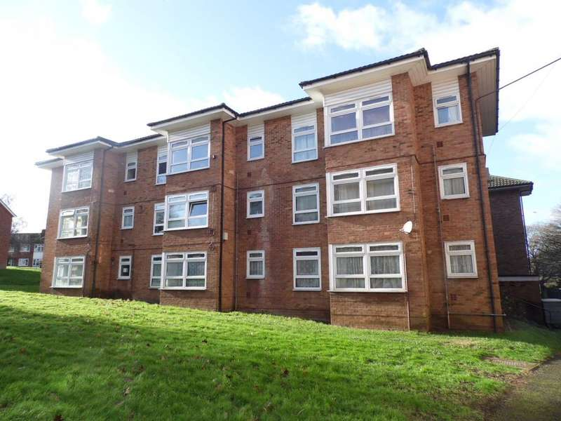 1 Bedroom Flat for sale in Pet Close N10