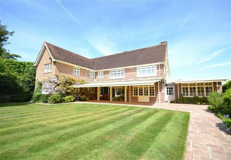 4 Bedrooms Detached House for sale in Hadley Common, Hadley Common, Hertfordshire