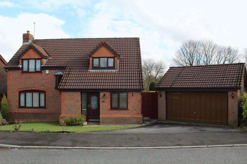 4 Bedrooms Detached House for sale in Stanney Close, Milnrow, Rochdale, OL16 4BF