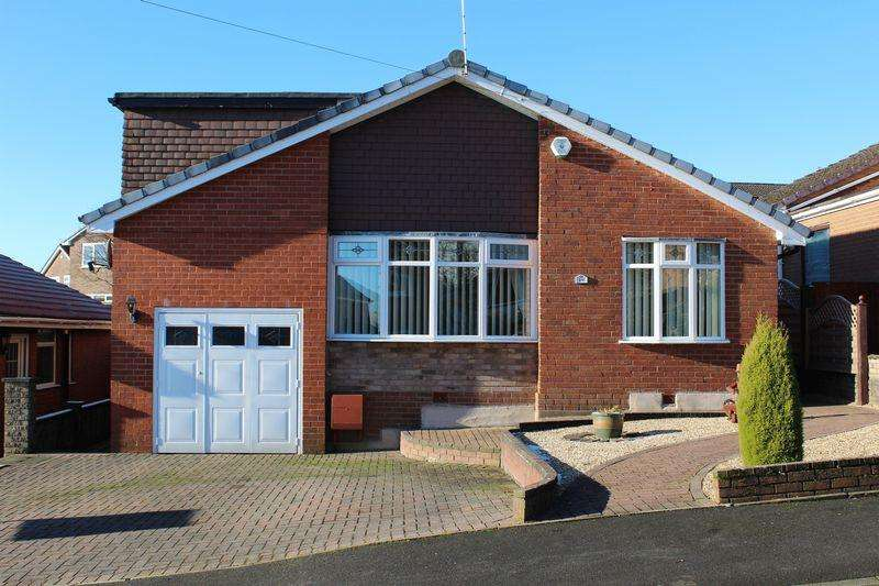 3 Bedrooms Detached Bungalow for sale in Ellis Fold, Norden, Rochdale, OL12 7RR