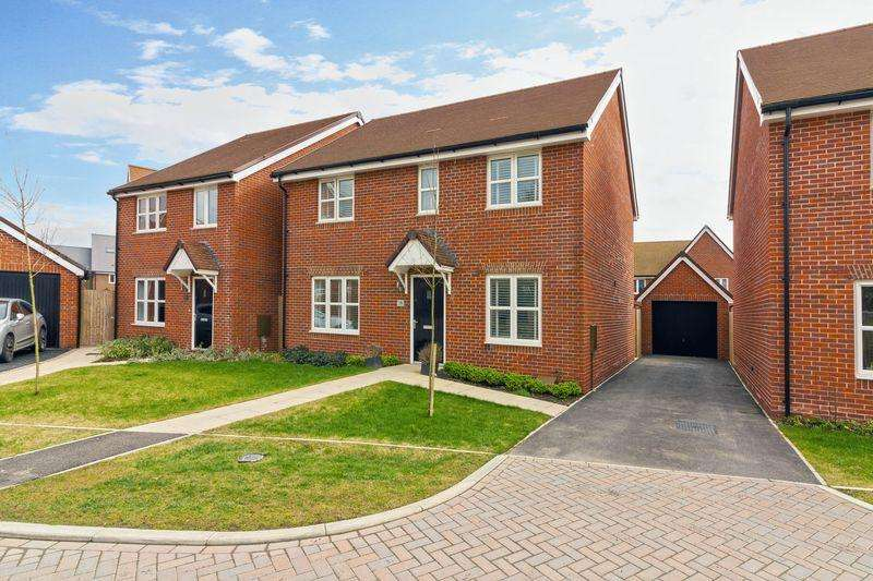 4 Bedrooms Detached House for sale in Malthouse Way, Worthing