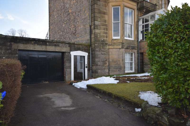 4 Bedrooms Apartment Flat for rent in Victoria Place , Stirling , Stirlingshire, FK8 2QT