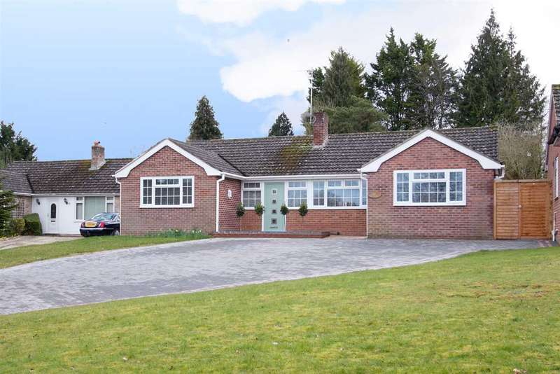 4 Bedrooms Bungalow for sale in A must see property! Four bedroom detached property in popular village