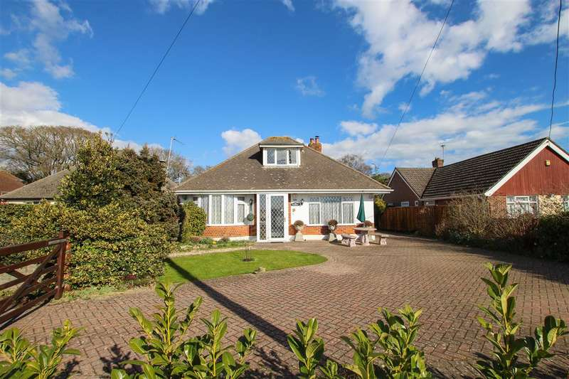 3 Bedrooms Bungalow for sale in Stony Lane, Christchurch