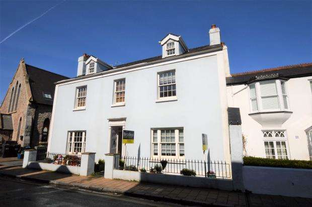1 Bedroom Flat for sale in Osborne House, 29 Fore Street, Shaldon, Devon