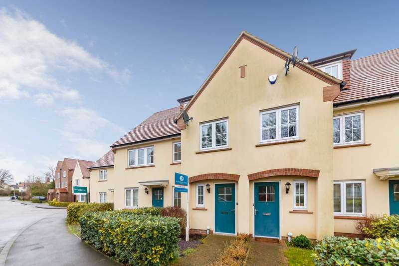 4 Bedrooms Town House for sale in Lindsell Avenue, Letchworth Garden City SG6 4DQ