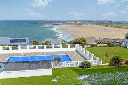 2 Bedrooms Flat for sale in Camullas Way, Pentire, Newquay