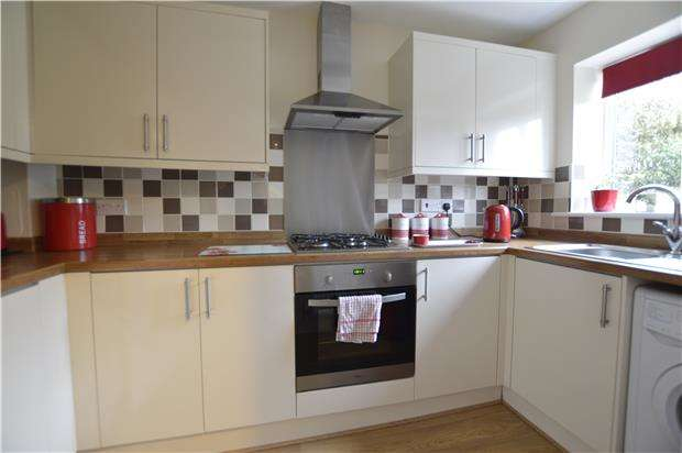 2 Bedrooms Terraced House for sale in Rye Road, HASTINGS, East Sussex, TN35 5DA