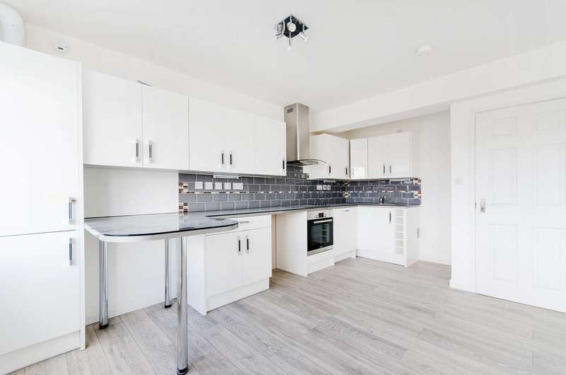 3 Bedrooms Flat for sale in Uxbridge Road, Hatch End, HA5